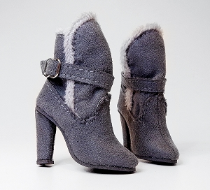 Fur Flap Boots (For Ellowyne)