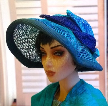 Thoroughly Modern (Hats by Gudrun)
