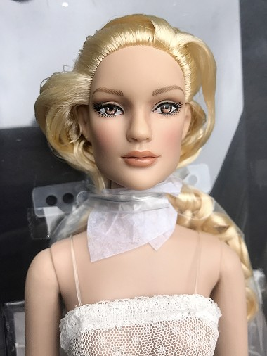 Emma Ultra Basic - Blonde (MetroDolls)
