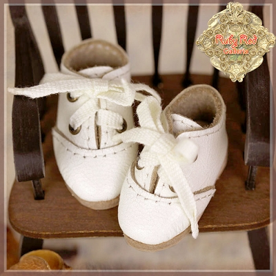 White Leather Shoes by Ruby Red