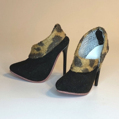 Loubooties (Extreme High Heel)